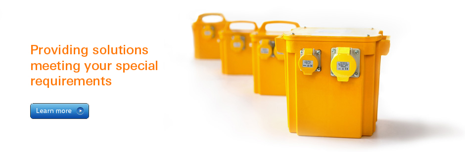 Portable Transformers with Industrial IEC 60309 110V 16A/32A Sockets
